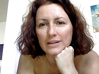 Horny French cougar squirts
