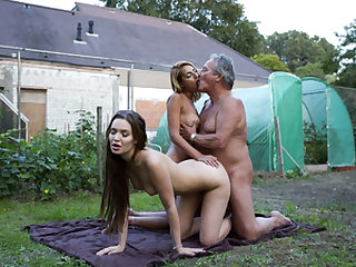 Horny thieves fuck old gardener