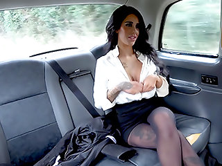 Backseat anal fuck and big facial