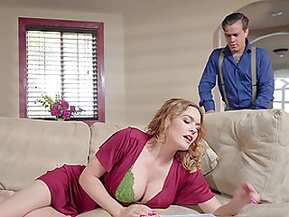 Housewife Krissy Lynn caught cheating her husband in the kitchen