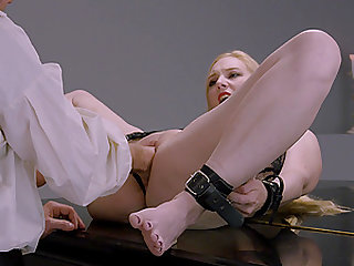 Submissive blonde Delirious Hunter tied up eith her legs apart