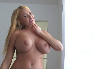 Huge tits and curvy hips on the sexy solo milf